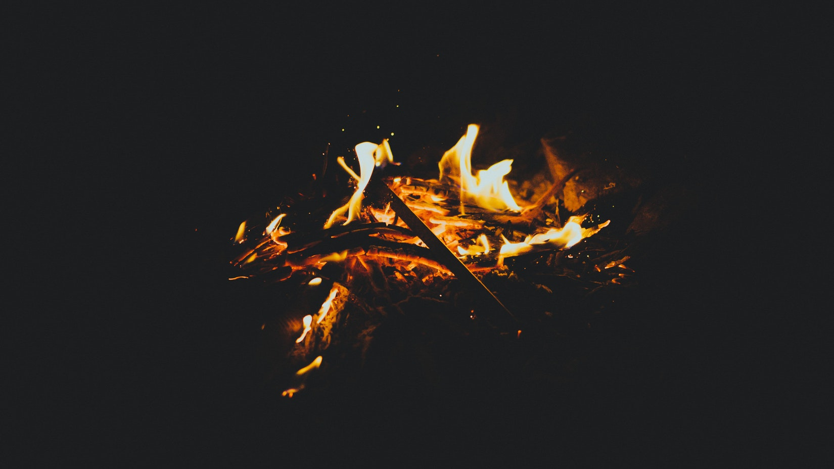 Camp fire in La Serrana in Salento, Colombia
