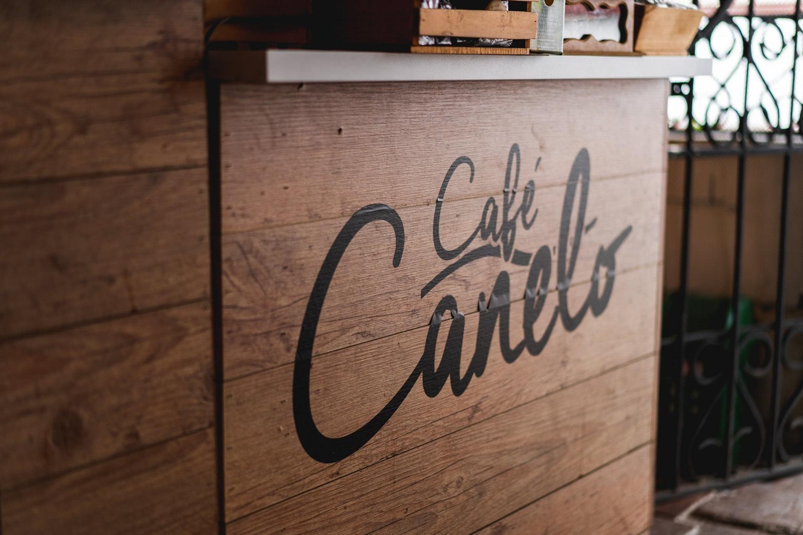 Sign of Cafe Canelo, the best cafe in Santa Fe de Antioquia
