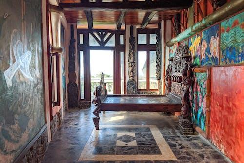 Sosua Dominik Cumhuriyeti'ndeki Castillo Mundo King Sanat Müzesi'ne seyahat