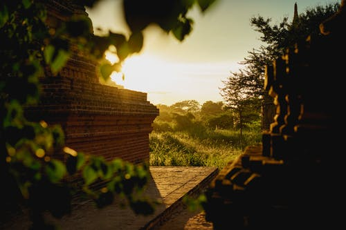 Pagodalar Bagan Myanmar Burma'da altın saat