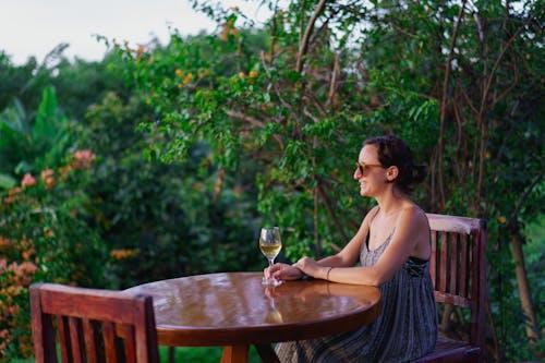 Red Mountain Winery, Inle Lake Myanmar'da gün batımını izlemek için yer