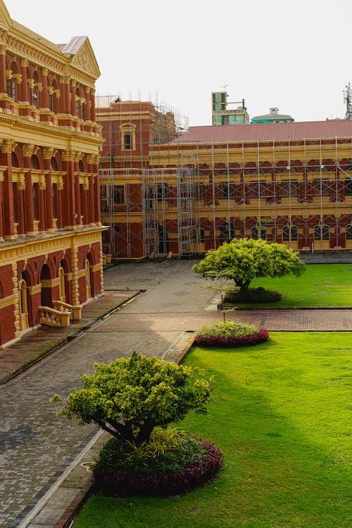 Yangon Myanmar Burma şehir merkezinde tarihi bir dönüm noktası inşa eden Sekreterlik yapım aşamasında mı?