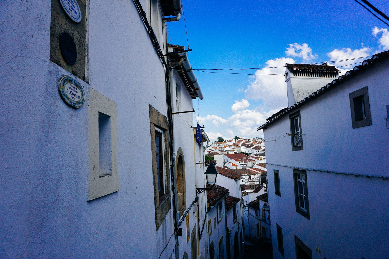 Hilly street that leads to a great view in Castelo de Vide