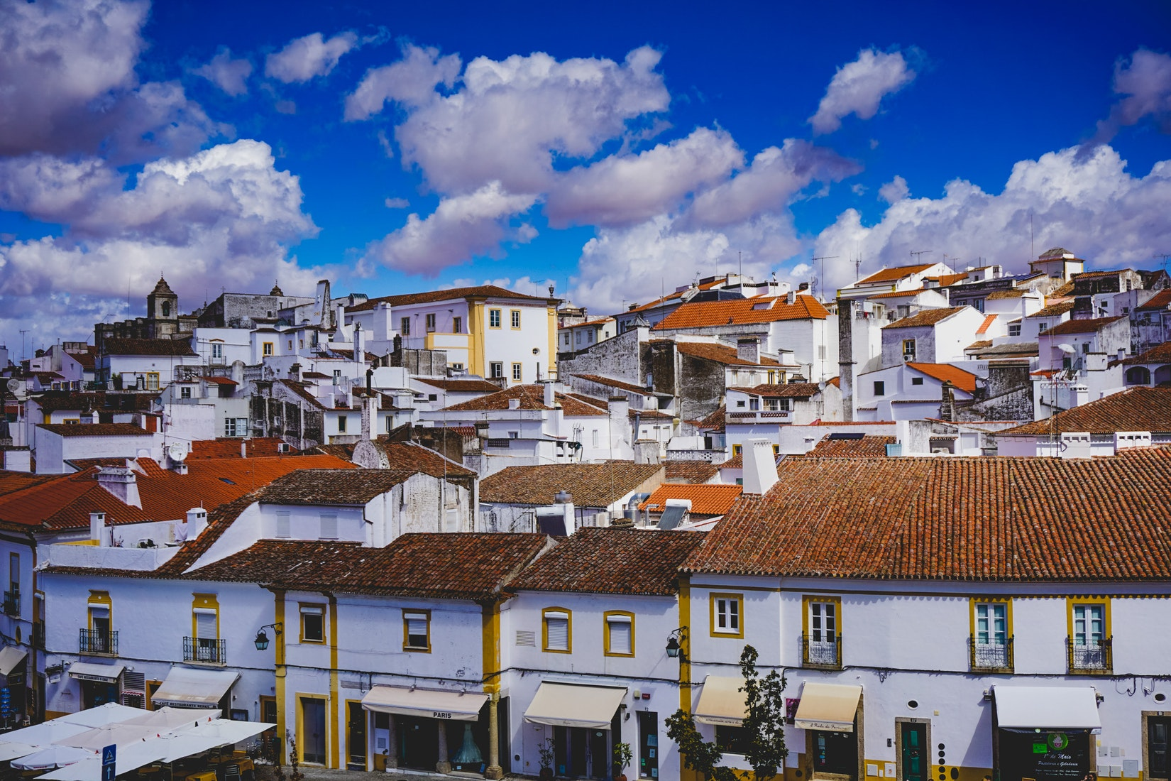 Rows of white homes and buildings in Evora