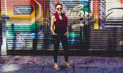sokak sanatı ile kız