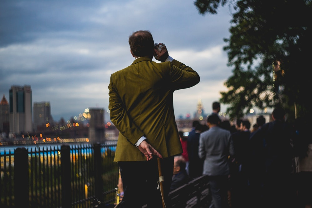 Man standing at the Brooklyn Heights Promenade